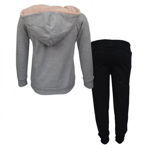 """Σετ γκρι μακρυμάνικη μπλούζα με κουκούλα και μαύρη φόρμα παντελόνι """"Protected by My"""" πίσω μέρος"""