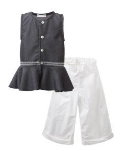Σετ μαύρη αμάνικη μπλούζα με κουμπιά και άσπρο παντελόνι